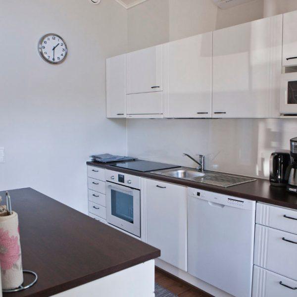 GURU-vuokrahuvila keittiö